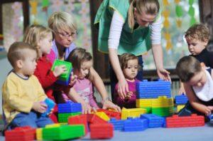В детских садах Москвы свободное посещение сохранится до 12 апреля
